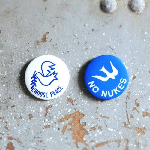 1970〜80's PEACe or DOVE Pinback Buttons by LURRY FOX BUTTONS写真