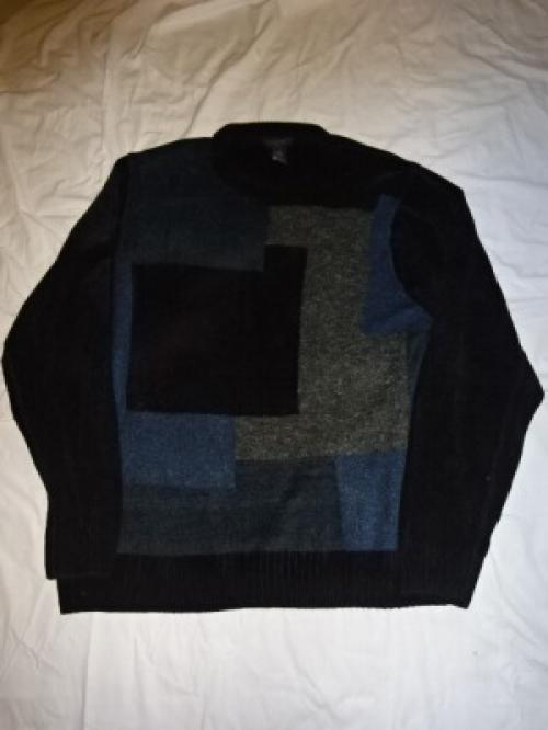 Switched Design Velour Crew Neck Sweater写真