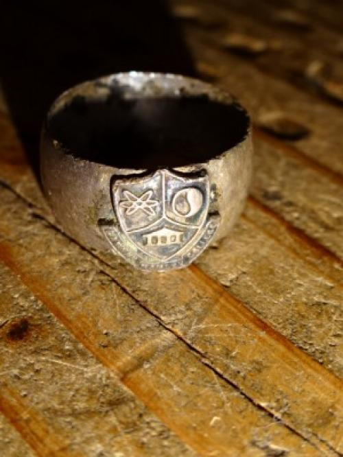 1915's Silver College Ring写真