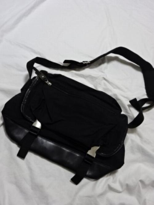 "Nylon × Leather Design Shoulder Bag ""Y's""写真"
