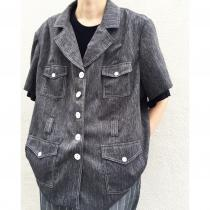 【 4-pockets design S/S shirt 】 recommend for Men.