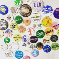 【 Button badges 】 recommend for Men.