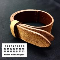 【 Martin Margiela 11 】 design lether Bangle recommend for Men.