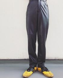 【 Black leather pants 】 recommend for Men. .