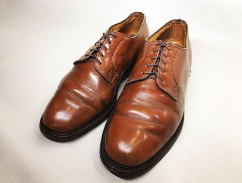 【 church's 】 old three cities logotype plane toe shoes recommend for Men.写真