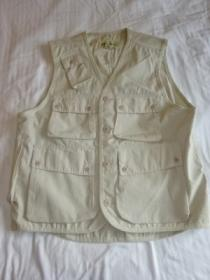 1990's Pocket Design V-Neck Vest
