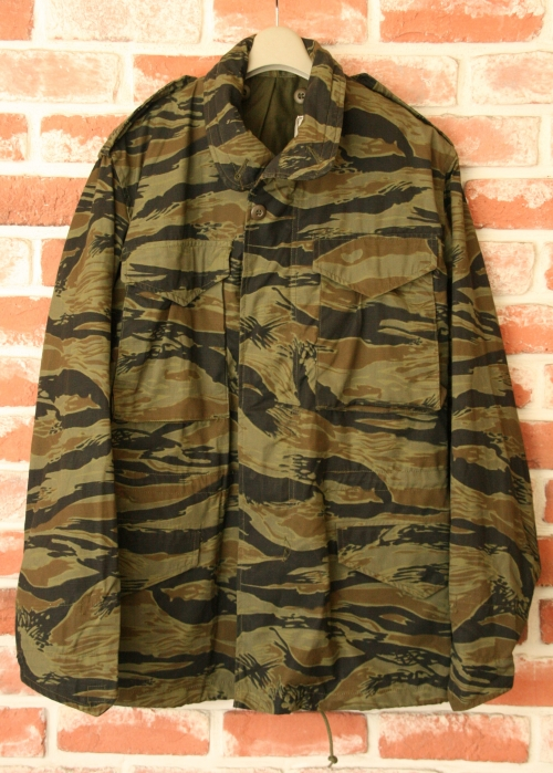 N.O.S M-65 FIELD JACKETS Tiger CAMO size S写真