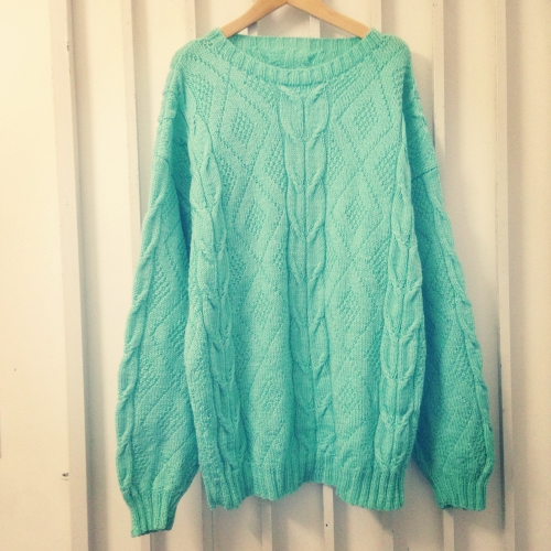 Pastel green L/S Cable knit.  写真