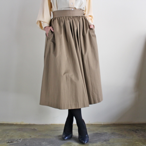 """Saint Laurent"" - Vintage Long Gathered Skirt (kahki)写真"