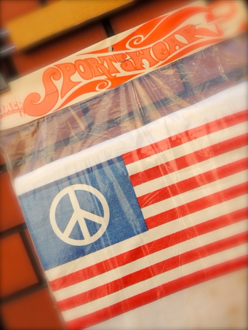 1970's PEACE-FLAG designed by ROACH STUDIOS写真