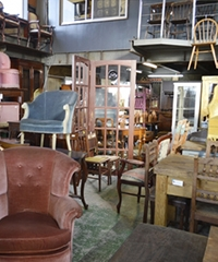 Mr.Neisha's Antiques